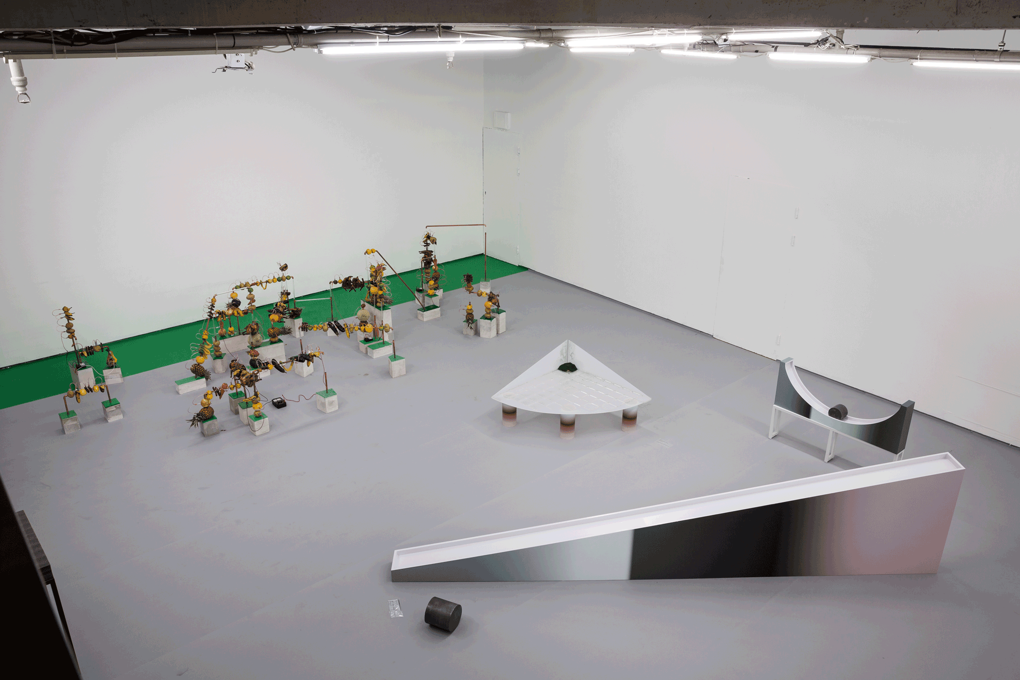 Jihee Park Solo Exhibition: When Does a Rectangle Become a Parallelogram?